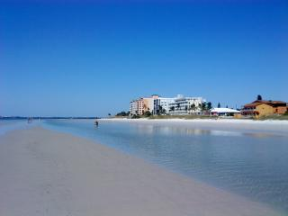 Ft Myers Beach 2/2 condo walk to the beach - Cape Coral vacation rentals