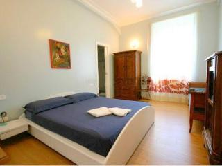 Sleeping 9 people ideal for groups - Rome vacation rentals