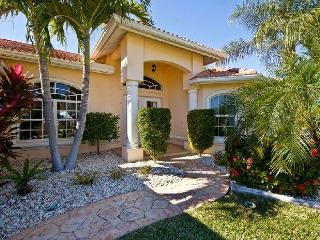 Waterfront pool Villa west exposure Cape Coral - Cape Coral vacation rentals