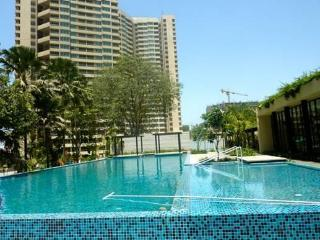 Resort living - in the heart of Mumbai - Mumbai vacation rentals