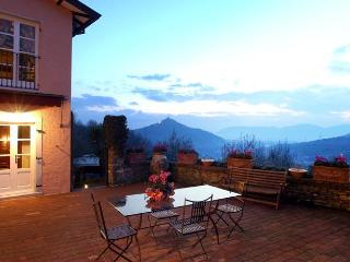 Lovely Country Villa Close the Beaches and 5Terre - Sarzana vacation rentals