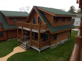 Log Cabin on Lake Huron in Macinaw City! - Mackinaw City vacation rentals