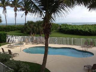 Beach front Condo  2 bedroom/2 bath - Hutchinson Island vacation rentals