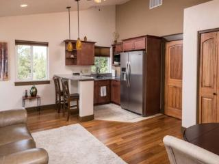 Country Quiet Yet Close to Town! 1 BR, Newly Built, Light & Gorgeous - Bend vacation rentals