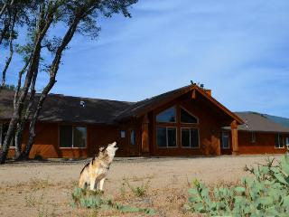 Escape to Howling Wolf Lodge on 25 secluded acres - Mariposa vacation rentals