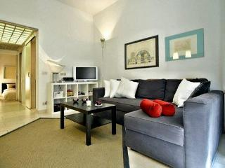 EXCELLENT PONTE VECCHIO SUITE 2+2 HISTORIC CENTER - Florence vacation rentals