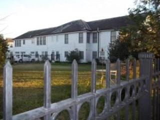 Side view of Property - VINTAGE 1920 AUTHENTIC LUXURY HOME IN NEW ORLEANS - New Orleans - rentals