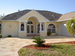 South exposure spacious gulf access pool villa - Cape Coral vacation rentals