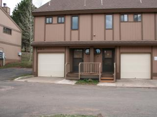2 Bedroom, 2 Bth Tri-Level Condo w/Garage & View! - Angel Fire vacation rentals