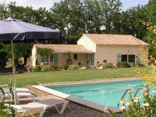 Villa St Fleurie - 3 bed, private pool, Luberon - Lacoste vacation rentals