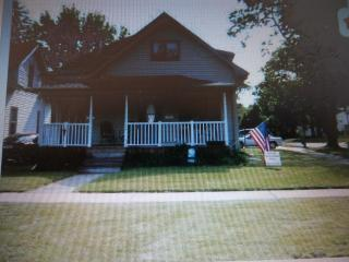 In Town South Haven Cottage 3 Bedroom Sleeps 9 - South Haven vacation rentals