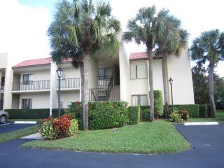 1/1.5 Located 1/2 Mile From Beach! - Jupiter vacation rentals