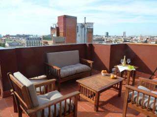 Cozy penthouse deal! 12th-16th May only 95€/night - Barcelona vacation rentals