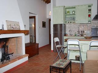 Charming 2 bedroom apartment with amazing views - San Gusme vacation rentals