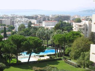 Fabulous Sea view condo in Eden Parc with pool - Antibes vacation rentals