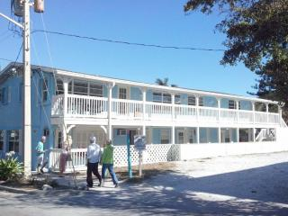 Remodeled Island Time Inn on Historic Bridge St - Bradenton Beach vacation rentals