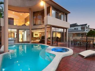 Chevron Oasis - Byron Bay vacation rentals