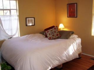Charming, Furnished Nob Hill home - Albuquerque vacation rentals