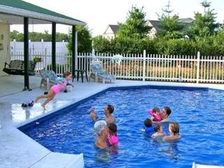 Country Getaway w/Pool-Close to Franklin/Nashville - Nashville vacation rentals