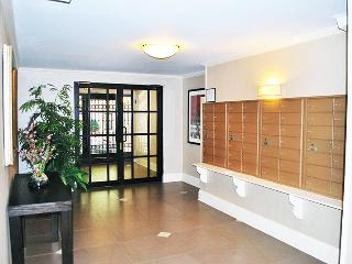 UES Amazing 1 BR/ 2 BA Duplex w/ private backyard - New York City vacation rentals