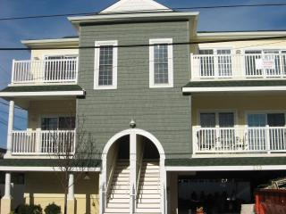 Fabulous & Affordable 1 1/2 blocks to Beach/Boards - Wildwood vacation rentals