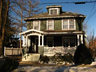 East side Saratoga Springs Walk to track, downtown - Saratoga Springs vacation rentals