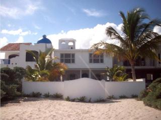 Beachfront Home Ya'axche in San Benito with pool - Chicxulub vacation rentals