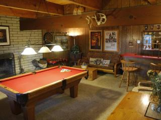 Welcome to Our Mountain Getaway! Sleeps 10 - Twin Peaks vacation rentals