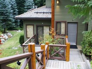 Cedar Hollow - Quiet mountainside forest location - Whistler vacation rentals