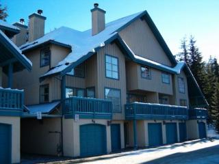 Forest Trails - Deluxe 2 bedroom + den with 3 full bathrooms - Whistler vacation rentals