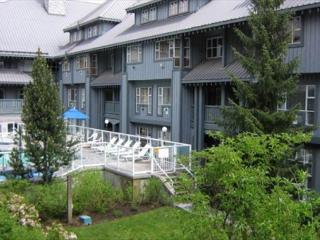 Glacier Lodge - Deluxe Ski in Ski out condo with pool and hot tub - Whistler vacation rentals