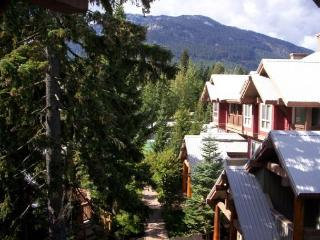Symphony 2 bedroom - Hot tub access & free wi fi on free shuttle route - Whistler vacation rentals