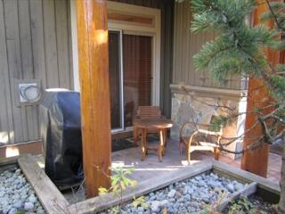 Symphony - Deluxe 1 bedroom with hot tub access & free internet - Whistler vacation rentals