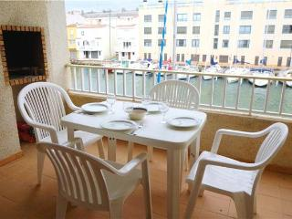 Apartment for 6 persons near the beach in Empuriabrava - Empuriabrava vacation rentals
