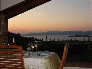 Borgo Belvedere - With pool and garden sleep 6/8 - Cortona vacation rentals