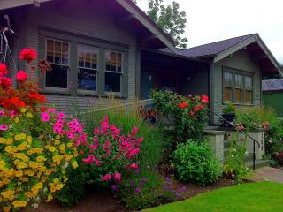 Wine Country Bungalow- in the heart of downtown! - McMinnville vacation rentals