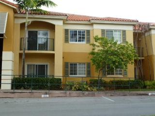 Doral, Two Bedroom, close to Dolphin Mall - Doral vacation rentals