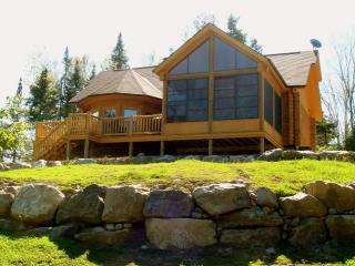 Elegant log chalet with private spa - Saint Sauveur des Monts vacation rentals