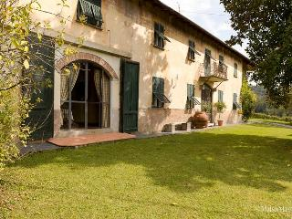 Villa Chiara in the Vineyards near the CinqueTerre - Ricco del Golfo di Spezia vacation rentals