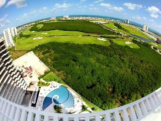 Puerto Cancun, Golf Course Front!! 3bed/ 3.5 baths - Cancun vacation rentals