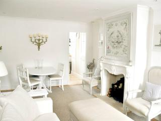 Elegant New Forest Lymington Town Getaway 1.5 Bath - Lymington vacation rentals