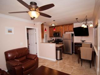 *60 Yards to Beach in Pacific Beach* June $847/wk - San Diego vacation rentals