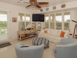 ~ FOOTSTEPS TO THE BEACH ~ - Melbourne Beach vacation rentals