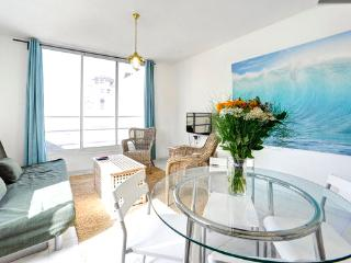 AMAZING 1 BEDROOM SUITE (1) - Tel Aviv vacation rentals