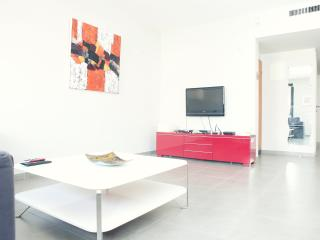 SUPERB 2 BEDROOM SUITE! - Tel Aviv vacation rentals