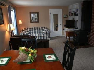 Cottage in the Grove - Forest Grove vacation rentals