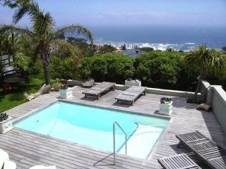 2 bedroom apartment with pool in Camps Bay - Camps Bay vacation rentals