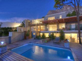 Lovely studio apartment with pool - Camps Bay vacation rentals