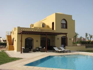 107312- Four bedroom villa, North Golf El Gouna, Hurghada - Egypt vacation rentals