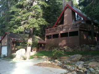 Tahoe Cabin-Private Hot tub-Close to NorthStar - North Tahoe vacation rentals